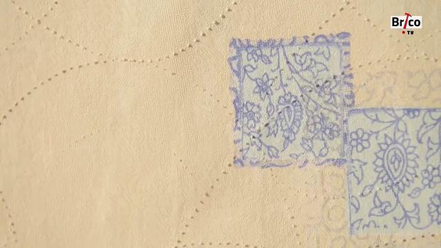 Papier peint perforé par la roulette